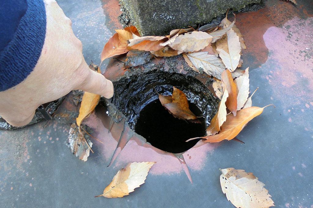 築20年以上を経過した屋上排水ドレンの現状