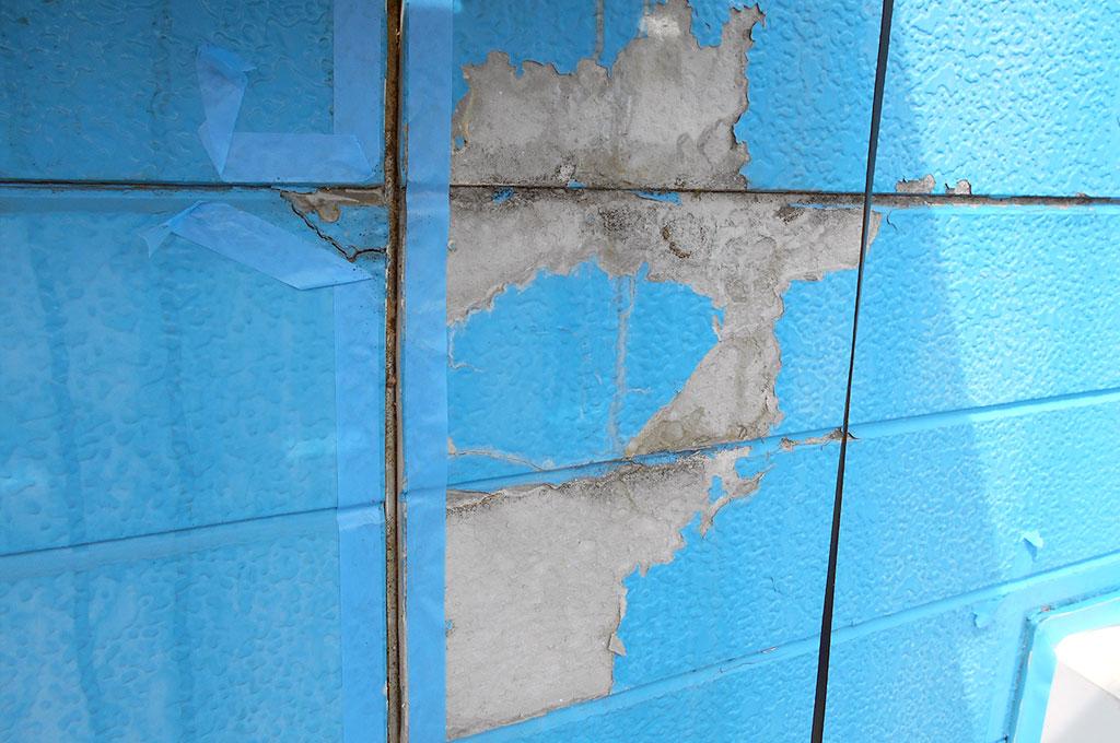 サイディングボード外壁の塗装後の剥がれ(剥離、膨れ)