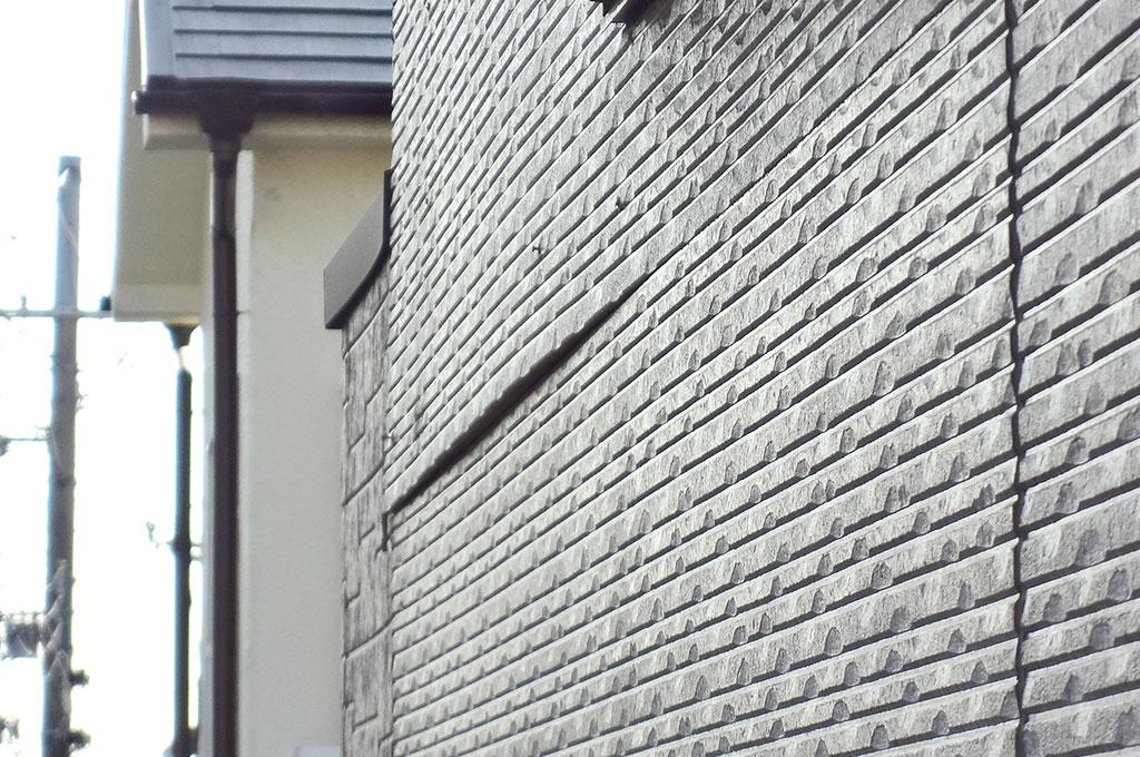 サイディング外壁の浮き