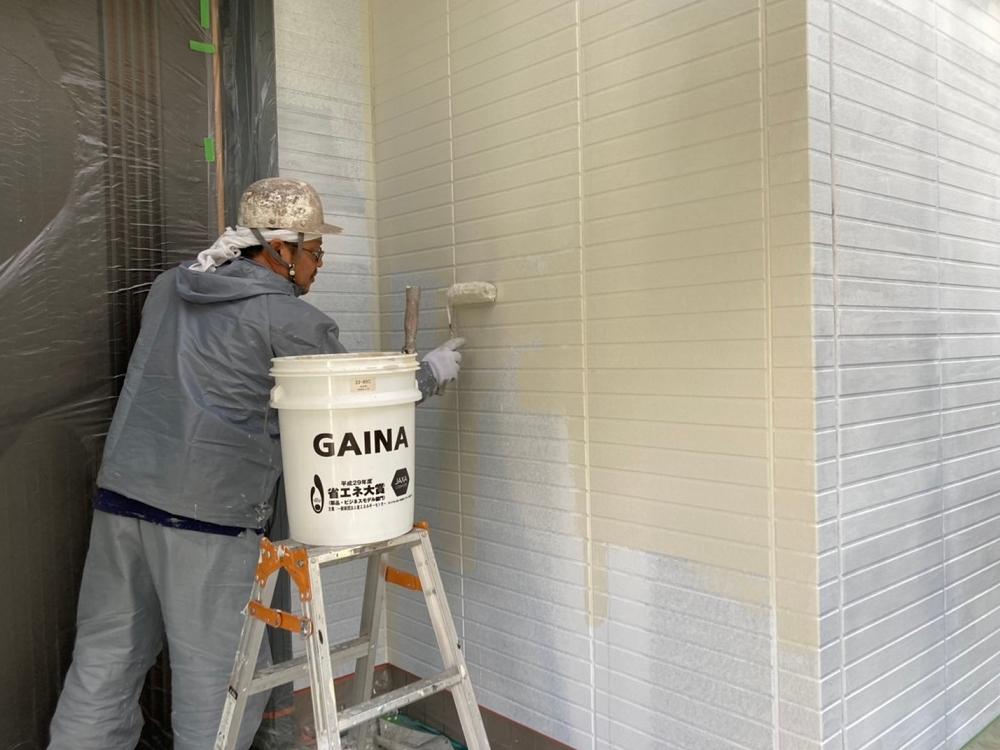 外壁ガイナ塗装1回目