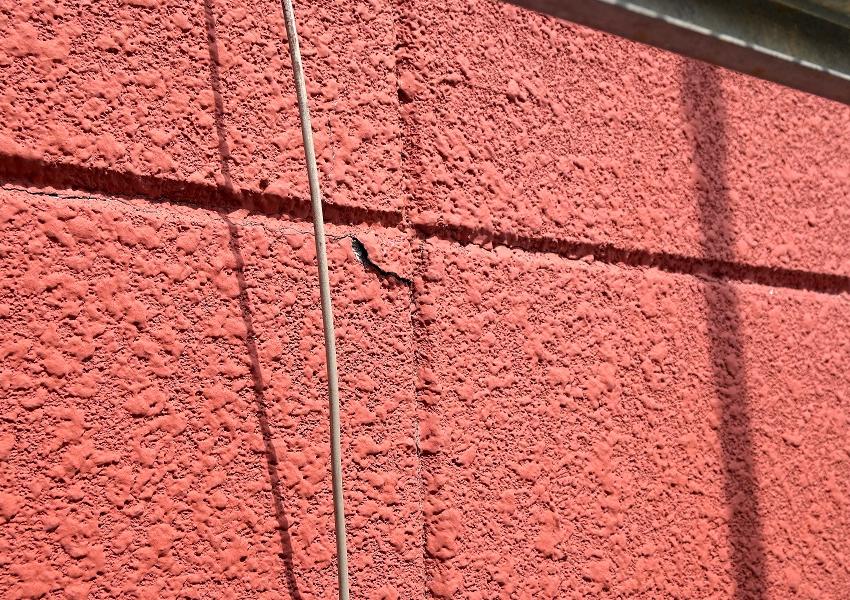 ALC外壁塗装前欠け